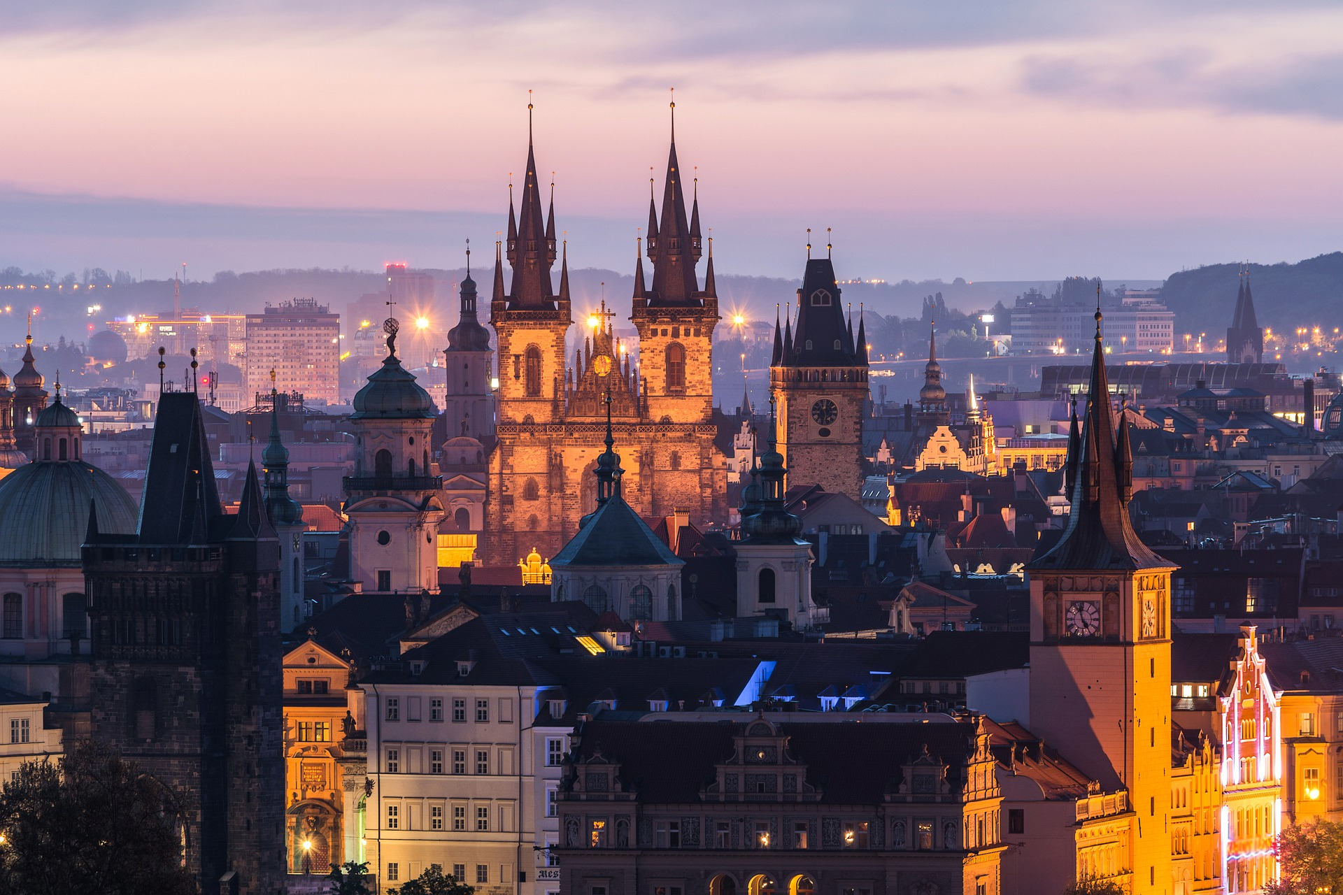 Cascáis, Praga y Las Palmas: las ciudades más recomendadas de mayo